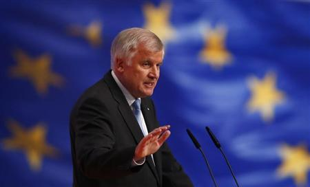 Horst Seehofer, Prime Minister of Bavaria and party leader of the Christian Social Union (CSU) delivers his speech during the second day of Germany's Christian Democratic Union (CDU)'s annual party meeting in Hanover, December 5, 2012. REUTERS/Kai Pfaffenbach