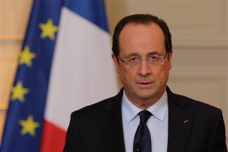 France's President Francois Hollande delivers a statment on the situation in Mali at the Elysee Palace in Paris, January 11, 2013.REUTERS/Philippe Wojazer