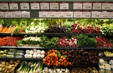 Organic vegetables are shown at a Whole Foods Market in LaJolla , California May 13, 2008 as the company is set to release second quarter earnings today. REUTERS/Mike Blake
