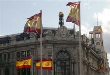Vue de la Banque d'Espagne, à Madrid. L'assainissement du secteur bancaire espagnol est sur le point d'entrer dans une nouvelle phase décisive car les nouvelles règles fixées par la banque centrale vont probablement forcer les établissements de crédit à reconnaître de nouvelles créances douteuses. /Photo prise le 9 mai 2013/REUTERS/Paul Hanna