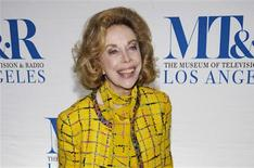 "Television personality Joyce Brothers arrives for the ""She Made It: Women Creating Television and Radio"" salute at the Museum of Television & Radio in Beverly Hills, California, in this December 5, 2006, file photo. REUTERS/Chris Pizzello/Files"