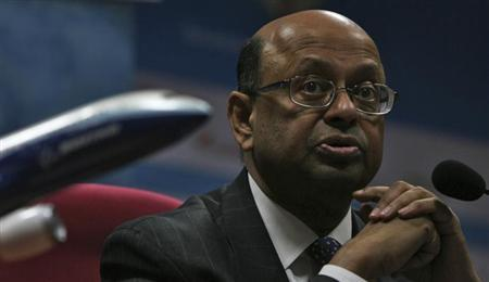 Boeing's Dinesh Keskar speaks during a news conference at the five-day-long India Aviation 2012 event in the southern Indian city of Hyderabad March 14, 2012. REUTERS/Krishnendu Halder
