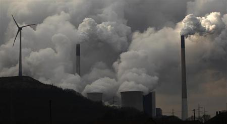 A coal power plant 'Scholven' of German utility giant E.ON is pictured in Gelsenkirchen March 11, 2013. REUTERS/Ina Fassbender/Files