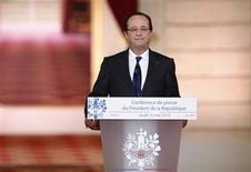 François Hollande a choisi de placer la deuxième phase de son quinquennat sous le signe d'une intégration européenne plus poussée pour aller chercher la croissance qui manque à la France, n'hésitant plus à parler d'union politique. /Photo prise le 16 mai 2013/REUTERS/Benoît Tessier