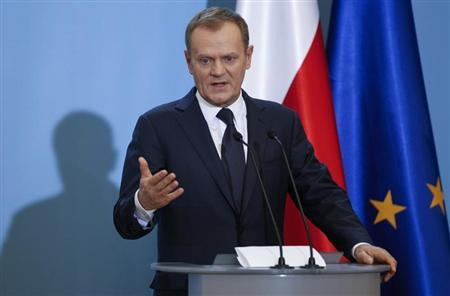 Poland's Prime Minister Donald Tusk speaks to the media during a news conference at the Prime Minister's Chancellery in Warsaw February 20, 2013. Tusk said on Wednesday he expected Poland would be technically ready to join the euro single currency by 2016. REUTERS/Peter Andrews