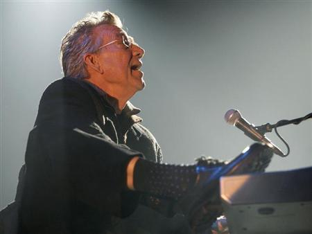 Riders On The Storm's Ray Manzarek performs during a concert of their European tour which commemorates the 40th anniversary of the band The Doors in Valencia January 14, 2007. REUTERS/Heino Kalis