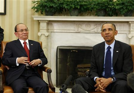 U.S. President Barack Obama sits next to Myanmar's President Thein Sein (L) in the Oval Office at the White House in Washington May 20, 2013. REUTERS/Larry Downing