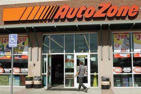 A customer enters the AutoZone store in Westminster, Colorado March 3, 2009. REUTERS/Rick Wilking