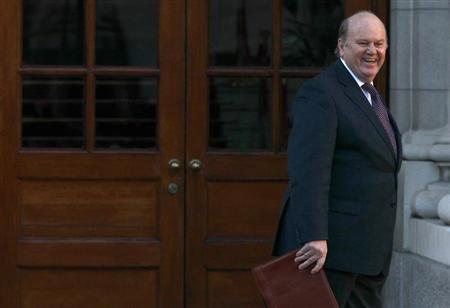Ireland's Finance Minister Michael Noonan presents the budget to waiting media at the Government Buildings in Dublin December 5, 2012. REUTERS/Cathal McNaughton