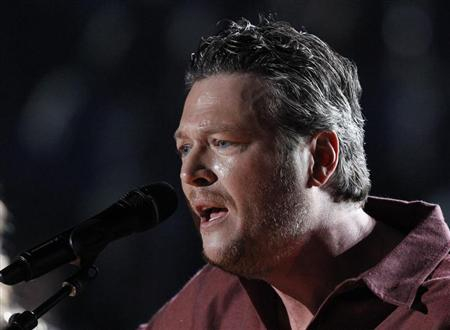 Blake Shelton performs ''Sure Be Cool If You Did'' at the 48th ACM Awards in Las Vegas, April 7, 2013. REUTERS/Mario Anzuoni
