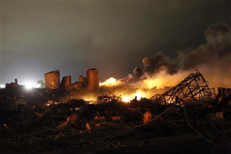 The remains of a fertilizer plant burn after an explosion at the plant in the town of West, near Waco, Texas, in this April 18, 2013 file photo. The deadly explosion injured more than 100 people, leveling dozens of homes and damaging other buildings including a school and nursing home, authorities said. REUTERS/Mike Stone/Files