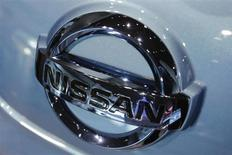 Le constructeur automobile japonais Nissan a annoncé le rappel de 841.000 véhicules dans le monde en raison de problèmes de direction. /Photo d'archives/REUTERS/Yuriko Nakao