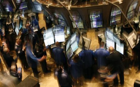 Traders work on the floor of the New York Stock Exchange, September 19, 2008. REUTERS/Brendan McDermid