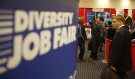 A Washington. Les inscriptions hebdomadaires au chômage aux Etats-Unis ont enregistré une baisse plus marquée que prévu lors de la semaine au 18 mai, à 340.000 contre 363.000 (révisé) la semaine précédente. /Photo d'archives/REUTERS/Jason Reed