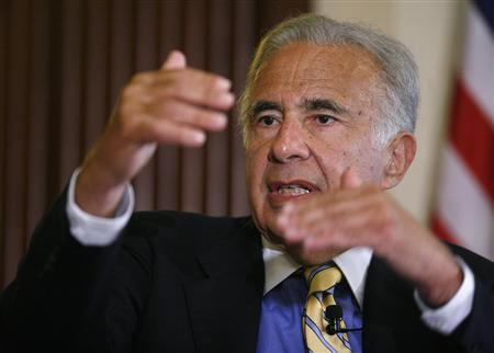 Investor Carl Icahn speaks at the Wall Street Journal Deals & Deal Makers conference, held at the New York Stock Exchange, in this June 27, 2007, file photo. REUTERS/Chip East/Files