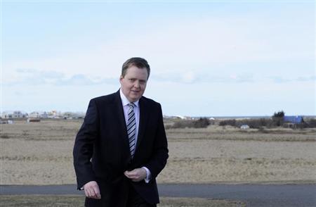 Iceland's Progressive Party Chairman Sigmundur David Gunnlaugsson arrives at the President's office in Reykjavik April 29, 2013. REUTERS/Sigtryggur Johannsson