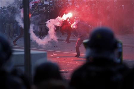 Youths clash with riot police during incidents at the end of a protest march called, 'La Manif pour Tous' (Demonstration for All) against France's legalisation of same-sex marriage, in Paris, May 26, 2013. REUTERS/Stephane Mahe
