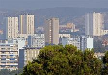 Les ventes de logements neufs ont baissé de 2,6% au premier trimestre par rapport au premier trimestre 2012, les stocks atteignant leur plus haut niveau depuis la crise 2008. /Photo d'archives/ REUTERS/Jean-Paul Pélissier