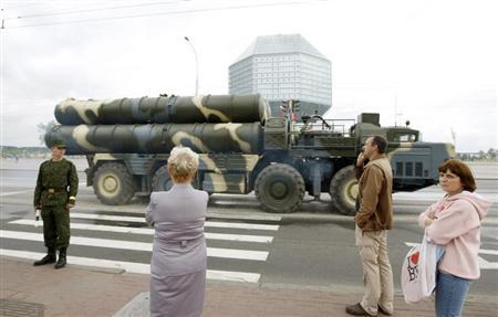 A Belarusssian S-300 mobile missile launching system drives to take part in a rehearsal for the Independence Day parade in central Minsk June 27, 2011. REUTERS/Vasily Fedosenko