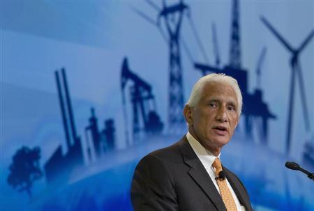 Apache Corp Chairman and CEO Steven Farris speaks during the CERAWeek energy conference in Houston March 8, 2012. REUTERS/Richard Carson