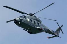 L'armée française a passé une commande de 34 hélicoptères de transport militaire NH90 TTH auprès du groupe NHIndustries détenu à 62,5% par Eurocopter, filiale d'EADS. Le montant de la commande de l'armée se monterait à près d'un milliard d'euros. /Photo d'archives/REUTERS/Fabrizio Bensch