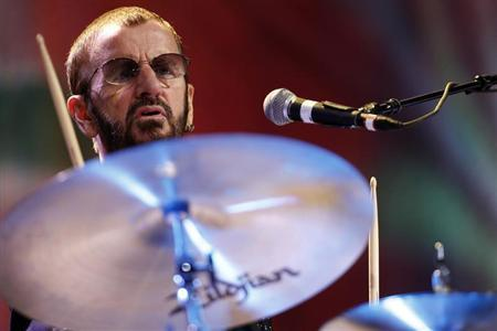 Musician Ringo Starr performs during his concert at the Ulysses Guimaraes Convention Center in Brasilia November 18, 2011. REUTERS/Ueslei Marcelino