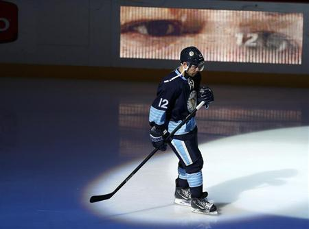 Pittsburgh Penguins' Jarome Iginla skates before the start of the Penguins' NHL hockey game against the New York Islanders in Pittsburgh, Pennsylvania, March 30, 2013. REUTERS/Jason Cohn