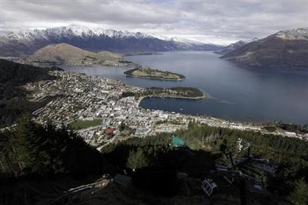 A general view of Queenstown September 14, 2011. REUTERS/Stefan Wermuth/Files