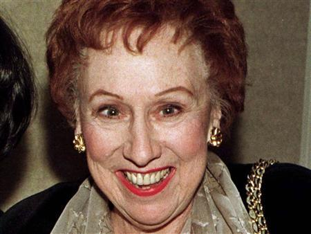 Actress Jean Stapleton poses for photographers as she arrives for the premiere of the new comedy film ''Michael'' in Beverly Hills, California, in this December 19, 1996, file photo. REUTERS/Fred Prouser/Files