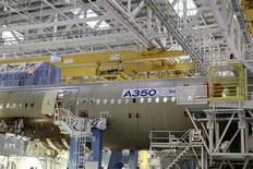 The main body section of the first Airbus A350 is seen on the final assembly line in Toulouse, southwestern France, October 23,2012. REUTERS/Jean-Philippe Arles