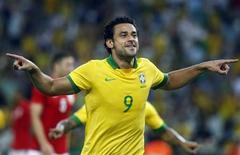 A seleção brasileira empatou por 2 x 2 em amistoso com a Inglaterra no Maracanã. 2/6/2013 REUTERS/Pilar Olivares