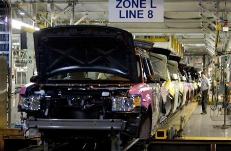 The new Ford Flex is seen on the assembly line at the company's Oakville Plant June 3, 2008. REUTERS/Fred Thornhill