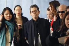 "Musician Lou Reed (C) arrives for the Metropolitan Opera's premiere of ""Le Comte Ory"" at Lincoln Center in New York March 24, 2011. REUTERS/Lucas Jackson"