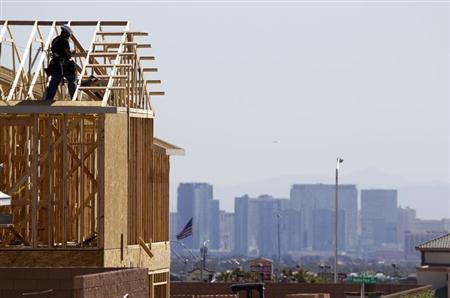 Carpenters work on new homes at a residential construction site in the west side of the Las Vegas Valley in Las Vegas, Nevada April 5, 2013. REUTERS/Steve Marcus