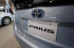 Toyota a rappelé en atelier 242.000 véhicules dans le monde, dont le modèle hybride Prius, en raison d'un problème de freinage. /Photo d'archives/REUTERS/Yuriko Nakao