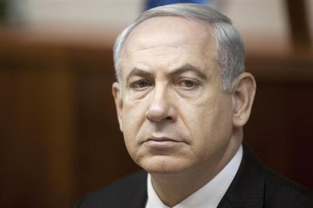 Israel's Prime Minister Benjamin Netanyahu attends the weekly cabinet meeting in Jerusalem June 2, 2013. REUTERS/Sebastian Scheiner/Pool