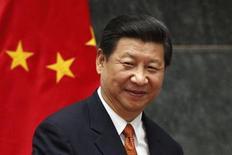 Pour sa première visite officielle aux Etats-Unis depuis son accession à la présidence chinoise en mars, Xi Jinping rencontrera son homologue américain Barack Obama dans un contexte informel, sans précédent dans les relations entre les deux pays. /Photo prise le 4 juin 2013/REUTERS/Edgard Garrido