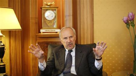 European Central Bank Governing Council member and chief of Austria's central bank Ewald Nowotny gestures during an interview with Reuters in Vienna May 27, 2013. REUTERS/Leonhard Foeger