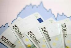 Le déficit du budget de l'Etat français à fin avril s'est creusé à 66,8 milliards d'euros contre 59,9 milliards un an plus tôt à la même période, selon les données publiées vendredi par le ministère du Budget. /Photo d'archives/REUTERS/Dado Ruvic