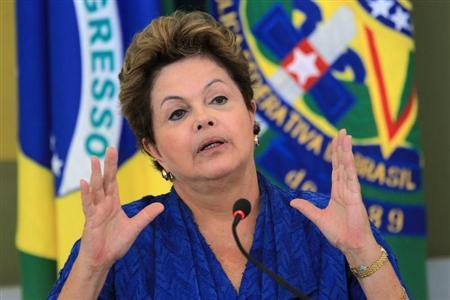 Brazil's President Dilma Rousseff speaks during the launching ceremony of sectoral plans for the mitigation of climate change at the meeting of the Brazilian Forum on Climate Change in Brasilia June 5, 2013. REUTERS/Ueslei Marcelino