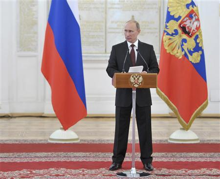 Russia's President Vladimir Putin delivers a speech during a meeting with Russian military officers at the Kremlin in Moscow, June 7, 2013. REUTERS/Alexei Nikolskyi/RIA Novosti/Kremlin