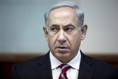 Israel's Prime Minister Benjamin Netanyahu attends the weekly cabinet meeting in Jerusalem June 9, 2013. REUTERS/Abir Sultan/Pool