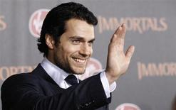 "Cast member Henry Cavill waves at the world premiere of ""Immortals"" at Nokia theatre in Los Angeles November 7, 2011. REUTERS/Mario Anzuoni"