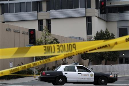 A Los Angeles County Sheriff patrol car is parked at the campus of Santa Monica College in Santa Monica, California, June 8, 2013. REUTERS/Jonathan Alcorn