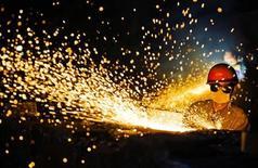 L'Union européenne envisage de porter plainte devant l'Organisation mondiale du Commerce (OMC) contre les droits de douane chinois sur les importations de tubes en acier inoxydable, a-t-on appris mardi de sources européennes. /Photo d'archives/REUTERS/China Daily