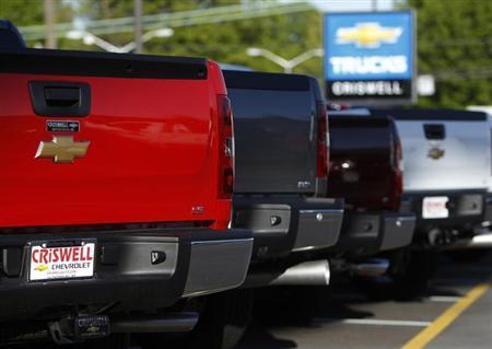 Chevrolet Silverado pickup trucks are seen at a dealership in Gaithersburg, Maryland May 1, 2013. REUTERS/Gary Cameron
