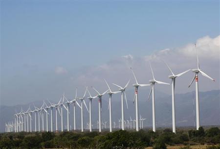 Wind turbines are seen in La Ventosa February 7, 2012. REUTERS/Jorge Luis Plata