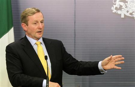 Ireland's Prime Minister Enda Kenny gestures during a news conference in Riga June 6, 2013. REUTERS/Ints Kalnins