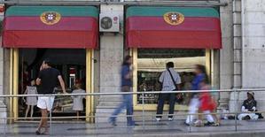 A Lisbonne. Le Fonds monétaire international (FMI) a conclu le septième examen du plan d'aide de 78 milliards d'euros accordé au Portugal en 2011 et approuvé le versement d'une nouvelle tranche. /Photo d'archives/REUTERS/José Manuel Ribeiro