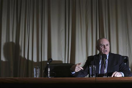 Brazil's Finance Minister Guido Mantega speaks during news conference in Brasilia May 29, 2013. Mantega said Brazil's GDP grew by 0.6% in Q1. REUTERS/Ueslei Marcelino